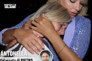 """Pietro Delle Piane ha baciato una delle single, Antonella Elia: """"Mi viene da vomitare"""""""