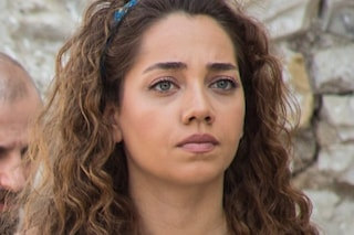 Come sorelle, anticipazioni quinta puntata del 5 agosto: Azra ricattata e minacciata