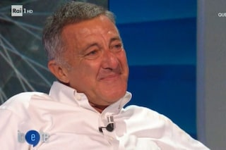"""Luca Barbareschi, accolto da Diaco, scoppia a piangere: """"Costretto a combattere a 64 anni"""""""