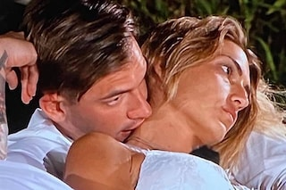 """Temptation Island 2020, Valeria Liberati vicina al bacio con il single Alessandro: """"Sono confusa"""""""