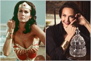 """Lynda Carter indossa ancora i bracciali di Wonder Woman: """"Mi fanno sentire tosta"""""""
