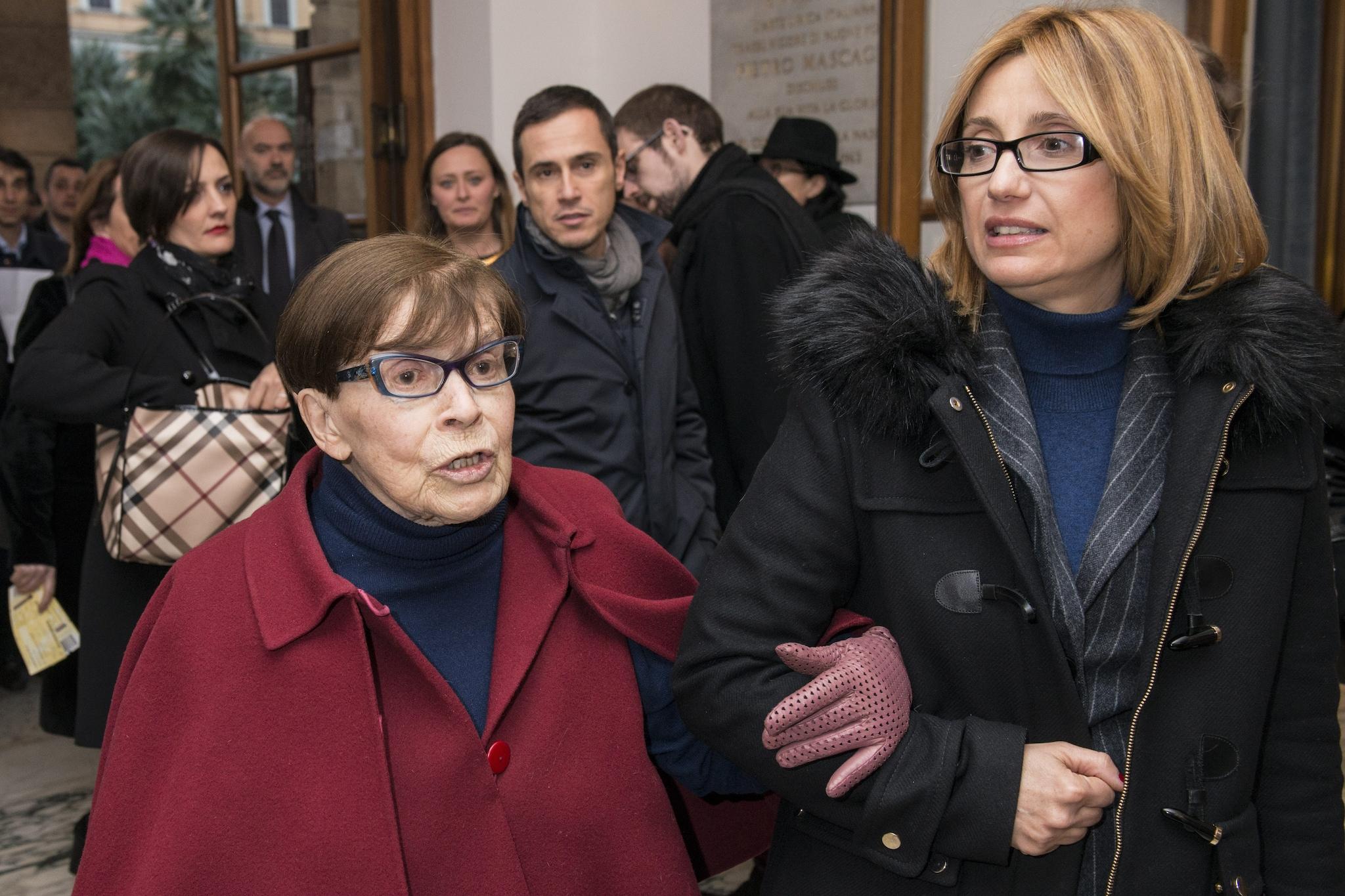 Franca Valeri con la figlia adottiva Stefania Bonfadelli (Roma, 2016)