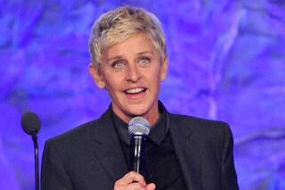 Ellen DeGeneres Show, licenziati tre produttori per molestie e razzismo e la conduttrice si scusa