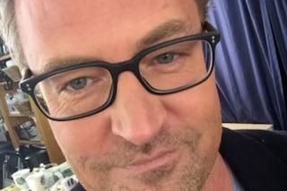 Mathew Perry compie 51 anni, gli auguri social a Chandler Bing di Friends