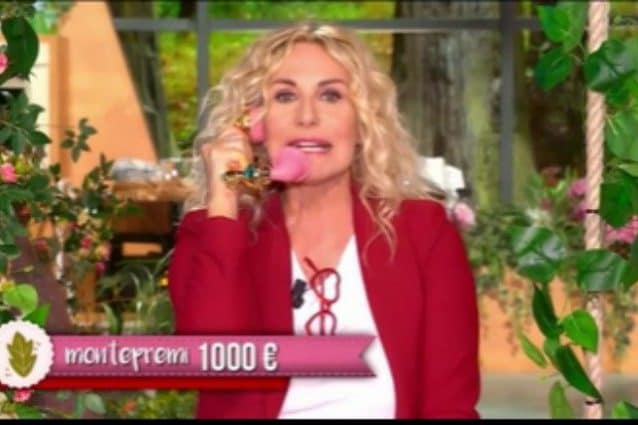 Antonella Clerici si commuove per il