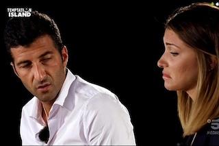 """Temptation Island. Anna lascia Gennaro al secondo falò e vede il single Mario: """"Il tuo non è amore"""""""