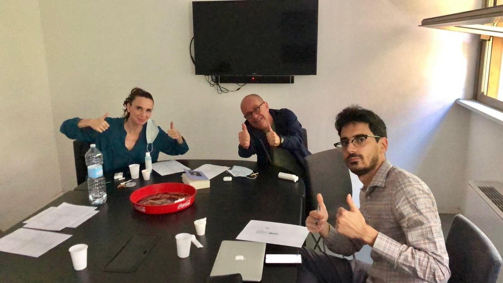 Giovanni Benincasa con Emanuela Fanelli e Valerio Lundini