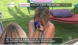 """Prime lacrime al Grande Fratello Vip, Flavia Vento disperata: """"Fuori hanno bisogno di me"""""""