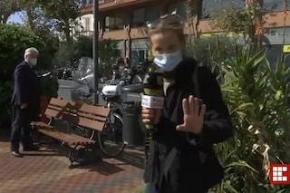 """Derubato in diretta tv, il sindaco : """"Mi hanno preso la giacca, dentro c'era la fascia tricolore"""""""