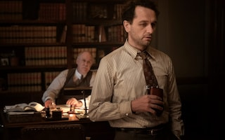 Perry Mason, la miniserie Sky rispolvera il mito dell'avvocato più famoso degli anni '50