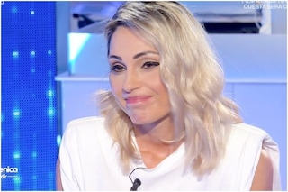 """Mara Venier ad Anna Tatangelo: """"Conosco la tua sofferenza"""", e non le chiede di Gigi d'Alessio"""