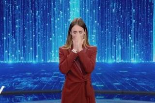 """Silvia Toffanin piange durante l'omaggio a mamma Gemma: """"Oggi a Verissimo perché lo voleva lei"""""""