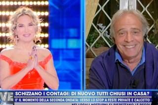 """Enrico Montesano e l'uso della mascherina: """"Mi hanno frainteso e insultato, non sono negazionista"""""""