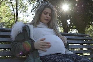 """Chi è Marzia, madre single di 16 anni e incinta: """"Crescerò Rachele da sola, è una guerriera"""""""
