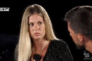 """Serena Spena lascia Temptation Island con Davide Varriale: """"Mi sei mancato poco"""", ma resta con lui"""