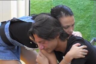 """GFVip, Francesco Oppini in lacrime ricorda la morte della fidanzata Luana: """"16 anni che non c'è più"""""""
