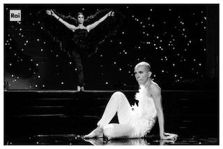 Non c'è pace a Ballando con le stelle, Rosalinda Celentano ha problemi al ginocchio