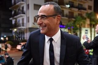 """Carlo Conti lascia l'ospedale, l'abbraccio dei colleghi: """"Finalmente, che bella notizia"""""""
