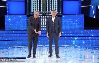 La prima puntata della storia di Tale e Quale Show senza Carlo Conti, lui chiama in diretta