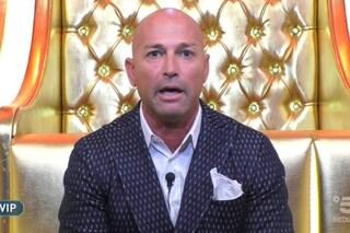 Stefano Bettarini squalificato al GF Vip per bestemmia, era nella Casa da soli 3 giorni