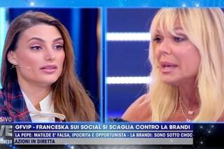 """Franceska Pepe fa piangere Matilde Brandi: """"Donna di una certa età, acida e infantile"""""""