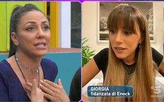 """""""Sei cornuta"""": il video dello scontro tra Selvaggia Roma e la fidanzata di Enock Barwuah"""