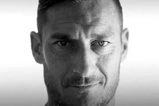 """Francesco Totti ricorda il padre morto di coronavirus: """"Sarà un Natale diverso"""""""