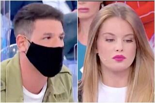 """Uomini e Donne, Maria De Filippi sbotta e """"velocizza"""" le parole di Nino, corteggiatore di Sophie"""