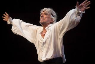 Il grande teatro di Gigi Proietti, l'omaggio di Rai1 con Alberto Angela