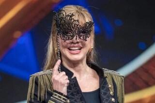 """Milly Carlucci sul calo del Cantante Mascherato: """"Irrispettoso parlare di share in questo periodo"""""""
