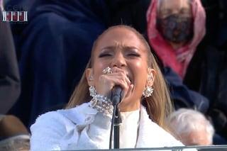 Jennifer Lopez all'insediamento di Biden chiede giustizia per le minoranze in lingua spagnola