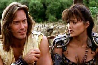 Xena contro Hercules: Lucy Lawless attacca Kevin Sorbo, sostenitore di Donald Trump