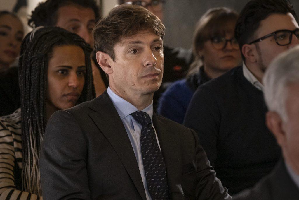 Giorgio Pasotti nel ruolo di Claudio nella serie Mina Settembre