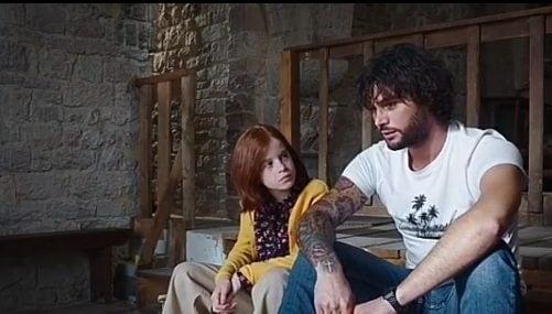 Erasmo Ferri e la piccola Penelope in Che Dio ci aiuti
