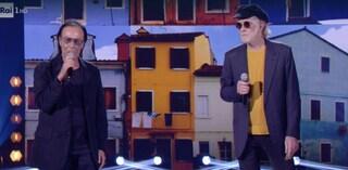 """Antonello Venditti e Francesco De Gregori omaggiano Lucio Dalla e duettano in """"Canzone"""""""