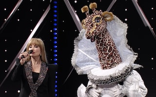Gli indizi sui concorrenti de Il Cantante Mascherato dopo la prima puntata