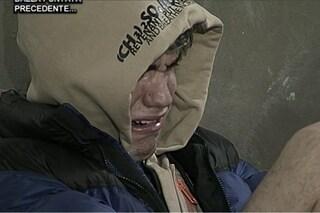 Amici, Martina lascia Aka per Raffaele: lui piange disperato e prende a pugni il muro