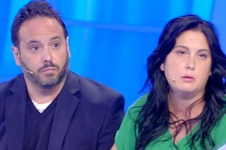 """Chiara attacca la madre e chiude la busta: """"Sei anaffettiva, mi hai lasciato in mezzo ai guai"""""""