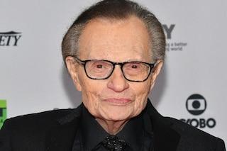Larry King ricoverato in ospedale, è positivo al Covid-19