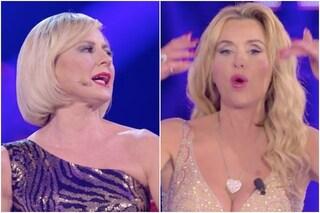 """Il video della rissa sfiorata tra Antonella Elia e Valeria Marini: """"Patetica, stai zitta"""""""