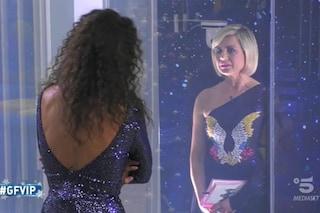 """Antonella Elia insulta Samantha De Grenet: """"Una stro***, borgatara ripulita male e pure ingrassata"""""""