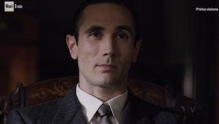 Il ritorno di Marco Palvetti, da Conte in Gomorra all'agente Falco del Commissario Ricciardi