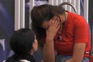 """Dayane Mello scoppia a piangere: """"Tommaso è cattivo"""", Rosalinda la consola e Zorzi le chiede scusa"""