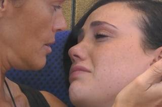 GFVip, Rosalinda scoppia in lacrime dopo aver rivelato i suoi sentimenti ad Andrea Zenga