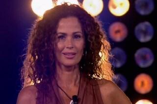 Samantha De Grenet eliminata dal Grande Fratello Vip, Stefania quarta finalista