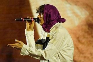 Sangiovanni si blocca ad Amici 2021, il cantante costretto a interrompere la performance