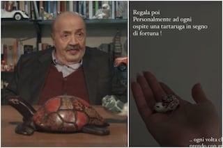 Perché Maurizio Costanzo regala tartarughe ai suoi ospiti