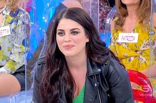 """Samantha Curcio: """"Vestita di verde nella speranza del pi***lo"""", e resta con un solo corteggiatore"""