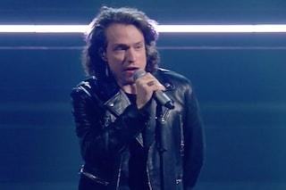 Irama a Sanremo ma in isolamento, il video dell'esibizione sul palco registrato il giorno prima