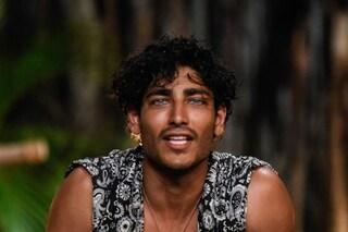Il passaporto di Akash Kumar svela il suo vero nome e il colore dei suoi occhi